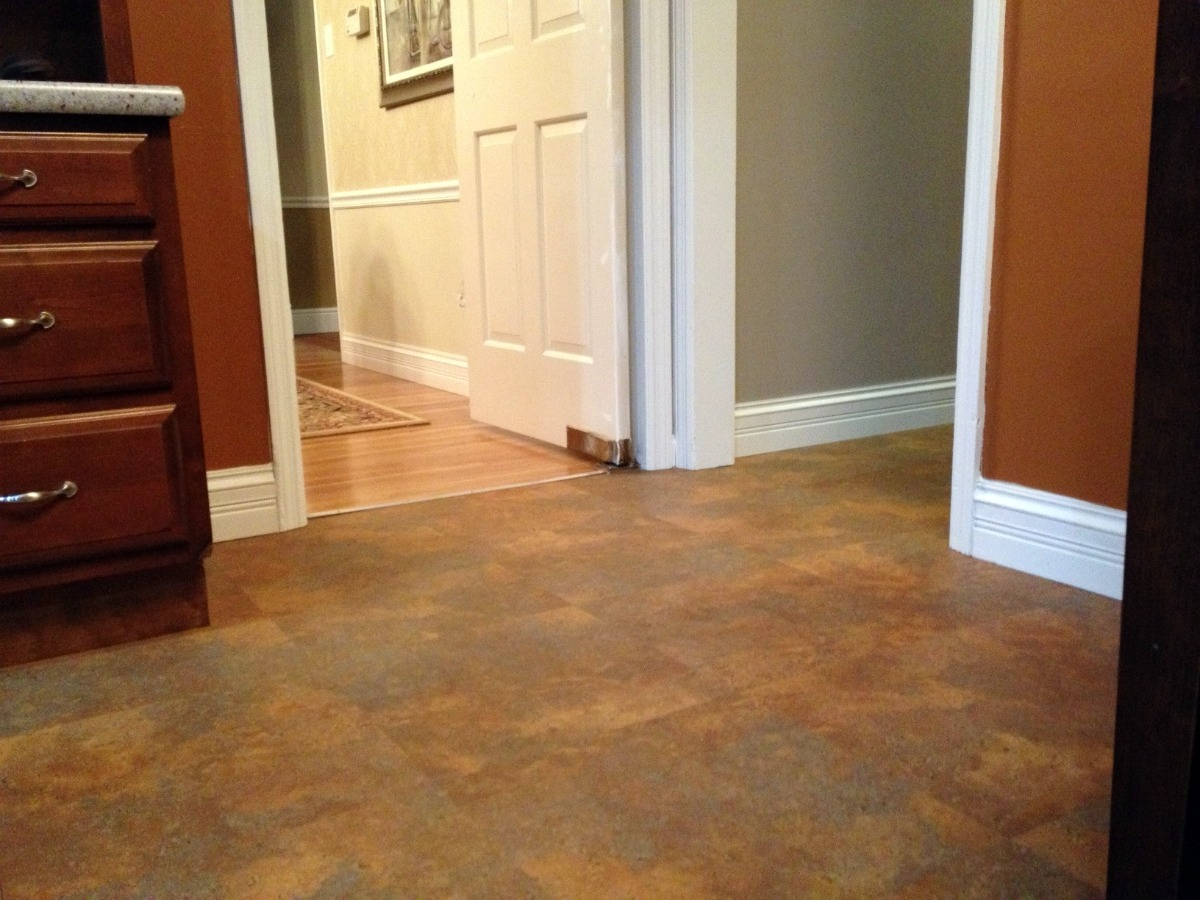 Luxury laminate flooring colony rug provider of carpet for Laminate flooring services